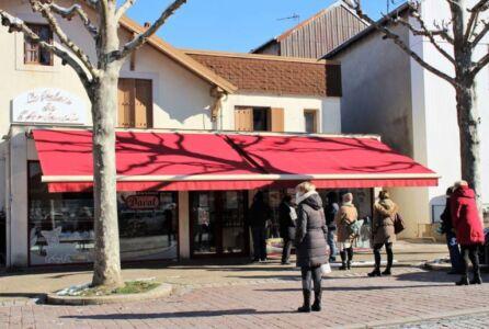 Marche-Dominical-de-lAndouille-42-1-768x517